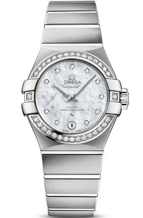 Perfectly combining the remarkable design and extreme innovative watchmaking technology, this white mother-of-pearl dial fake Omega watch can be said as both with distinguished movement and excellent appearance.