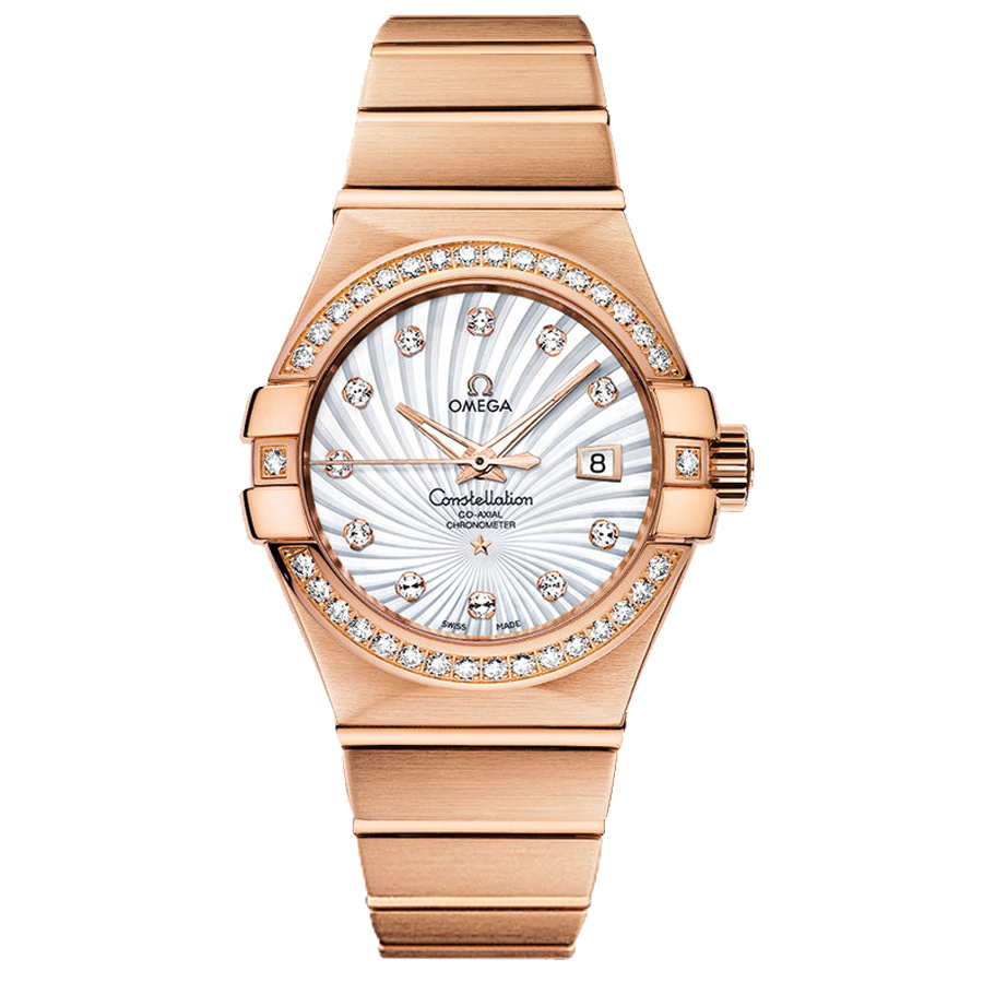 This dazzling replica Omega watch easily catches our attentions.