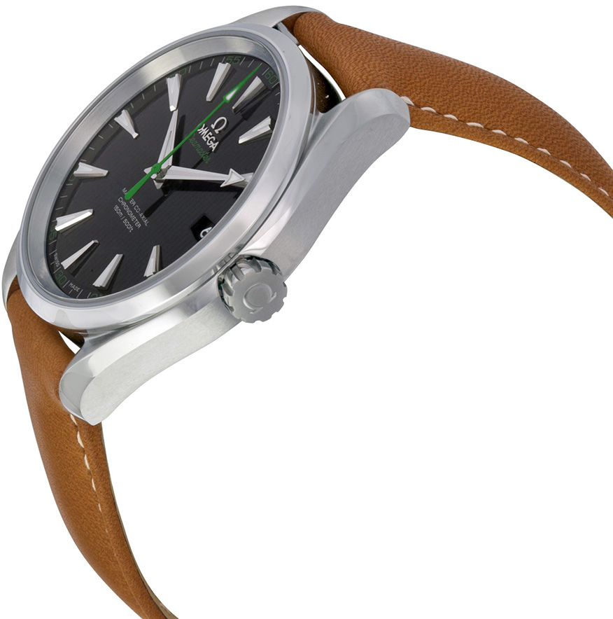 Continuing the classical design, this green second hand replica Omega watch adopted the 41.5mm stainless steel case, matching brown leather strap, also equipping with 8500 co-axial movement.