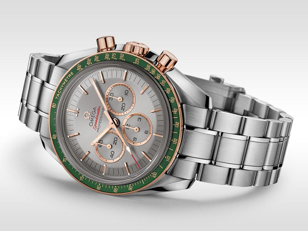 The gold hands, hour markers and rings of Sub-dials are striking on the gray dial, ensuring the optimum legibility.