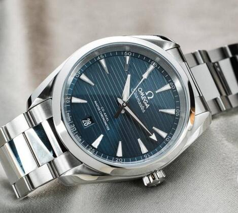 The elegant Omega Seamaster is the good choice for men with high cost-performance.