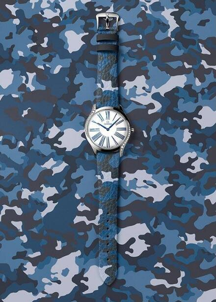 The blue camouflage strap adds a sporty style to the Omega De Ville.