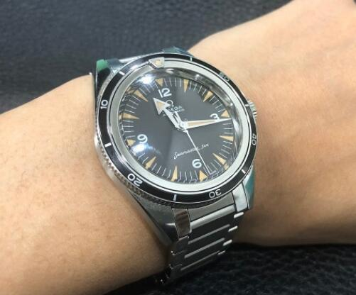 The retro style of the Seamaster has been favored by many watch lovers.