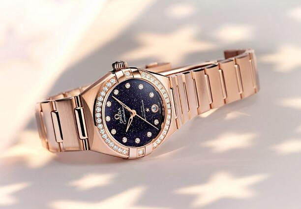 All the details of this Omega are appealing to women.