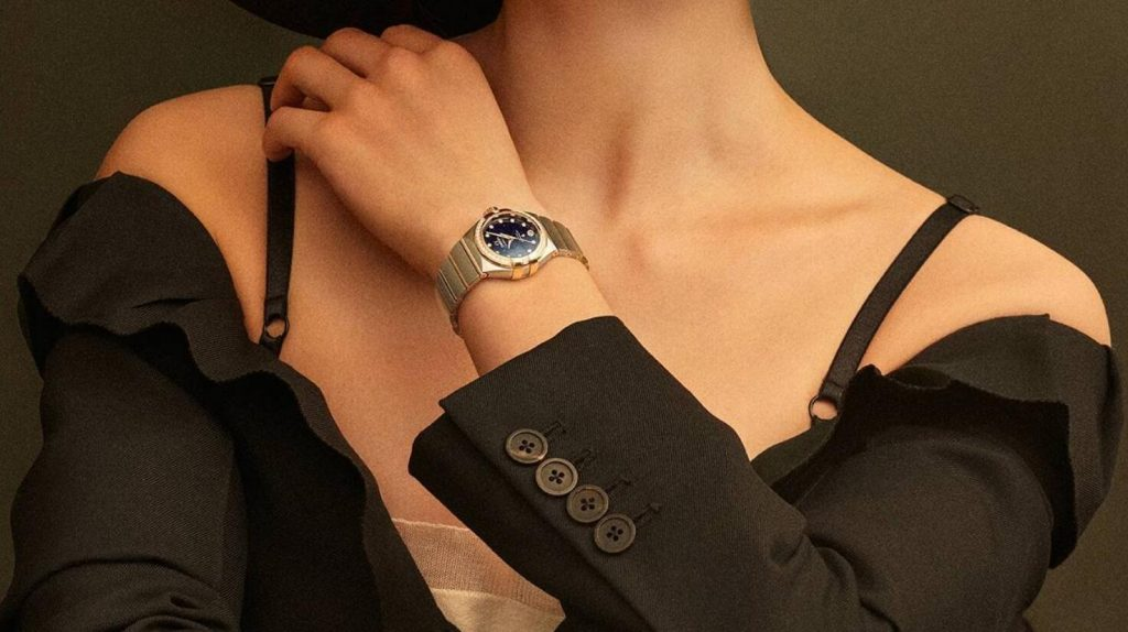 Swiss imitation watches forever keep shiny with diamonds.